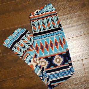 Aztec print leggings!